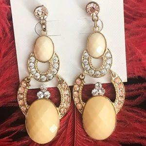 Chandelier fashion earrings cream
